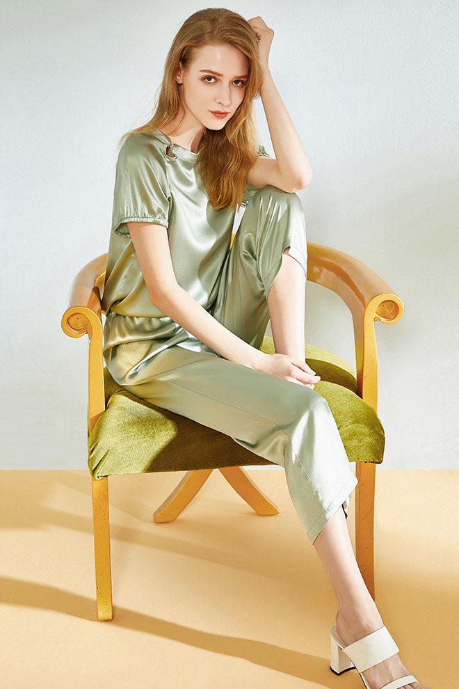 19 momme silk short sleeve and crop pants satin silk pajamas set