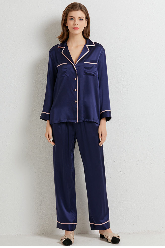 Long sleeved silk pajamas set blue