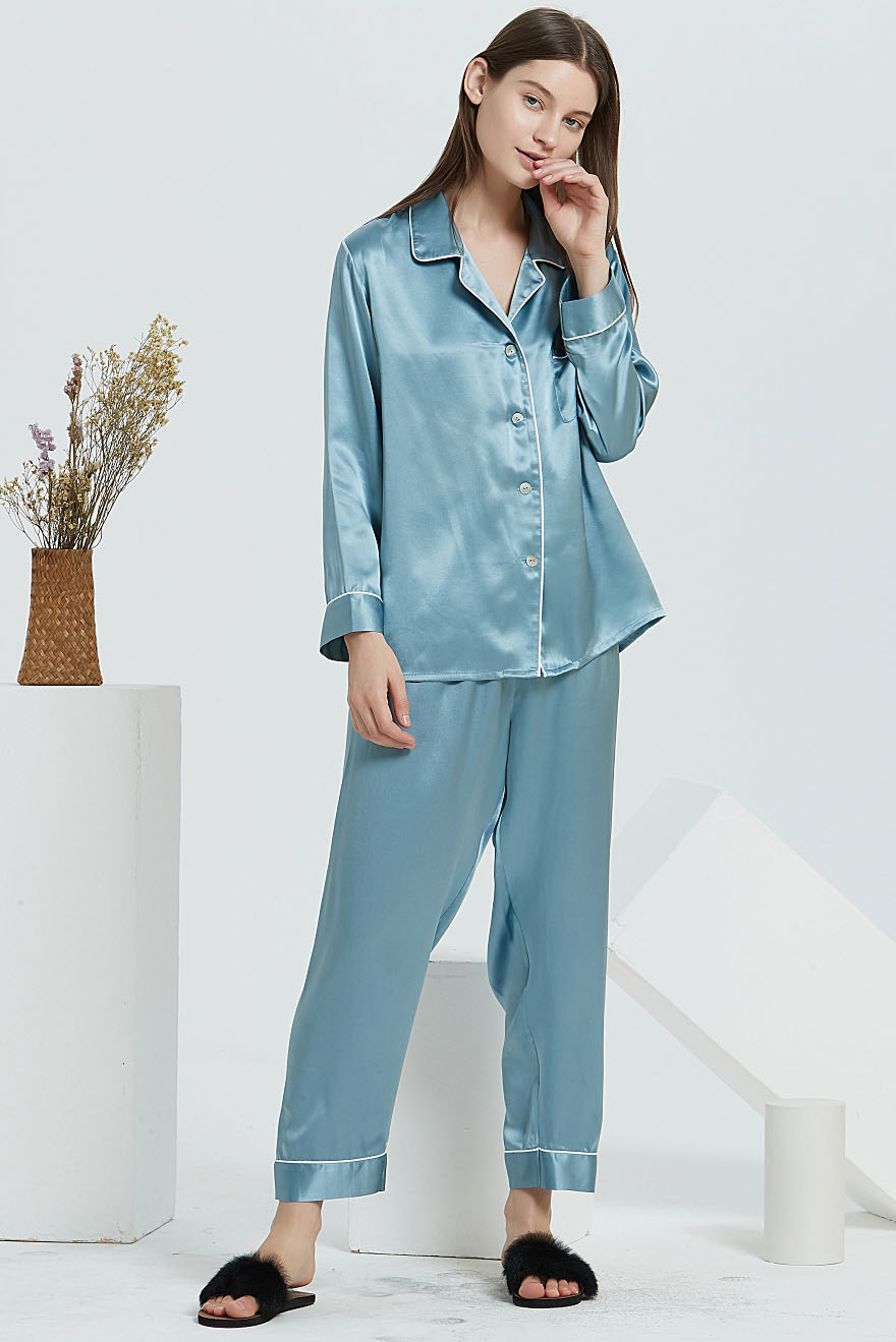 16 Momme silk pajamas set for women light blue
