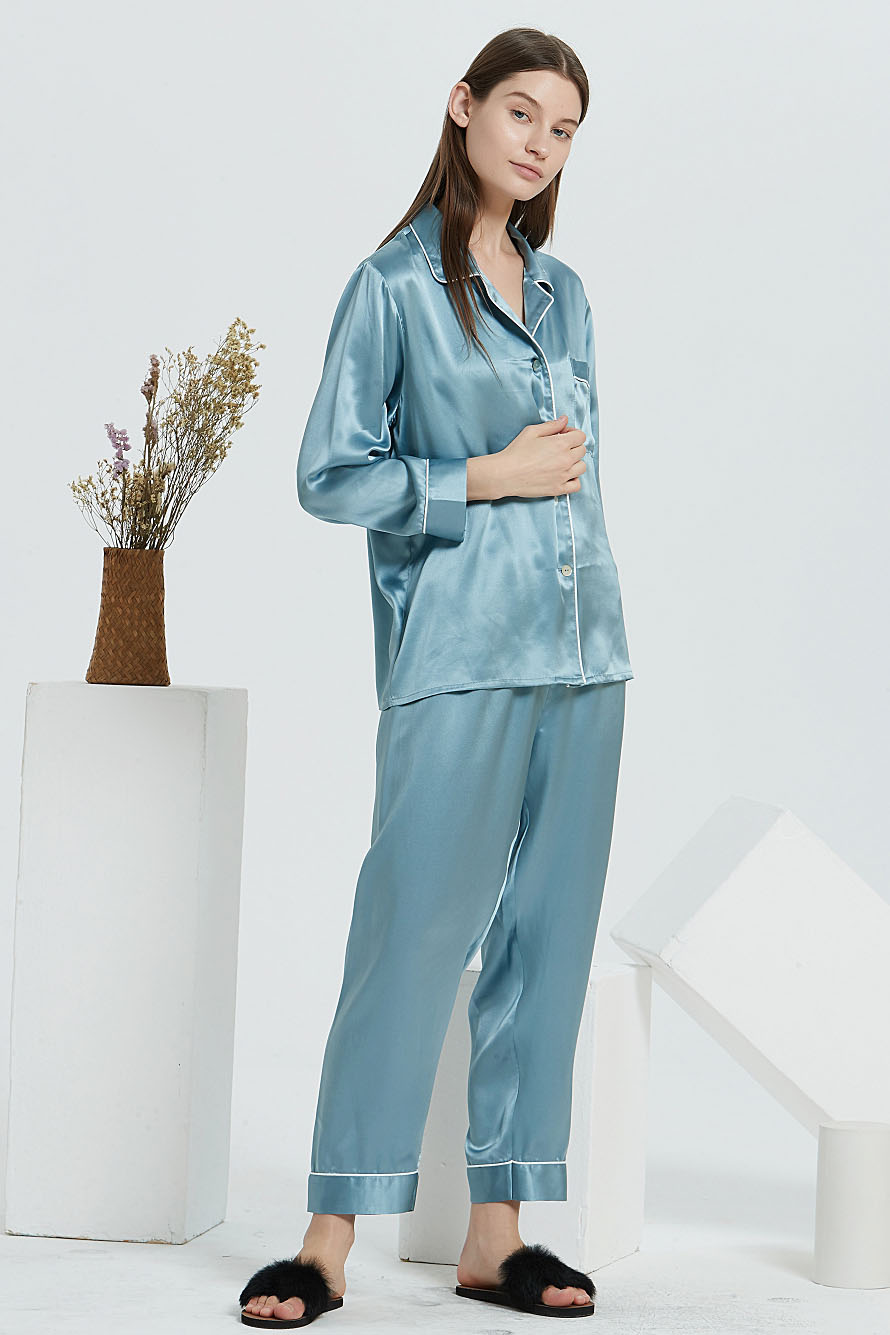 16 Momme long sleeve silk pajamas set for women light blue