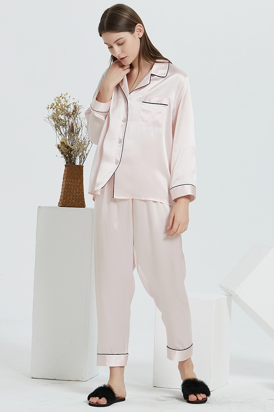 16 Momme long sleeve silk pajamas set for women pink