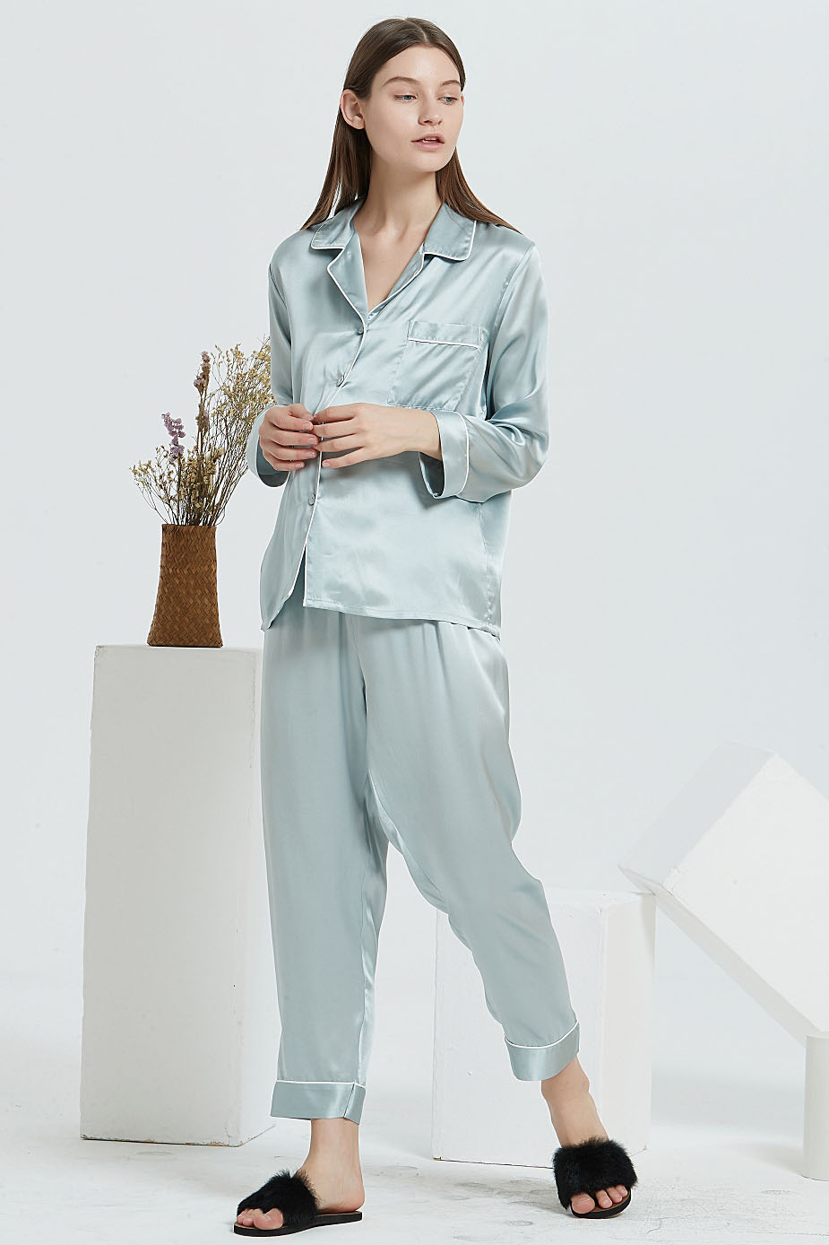 16 Momme long sleeve silk pajamas set for women light green