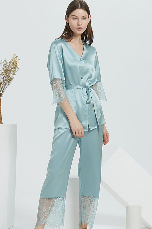 22 Momme silk lace and satin v neck pajamas set for women green