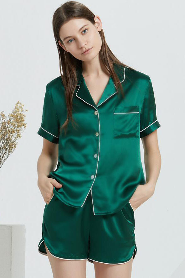 19 Momme women top and shorts silk summer pajamas set green