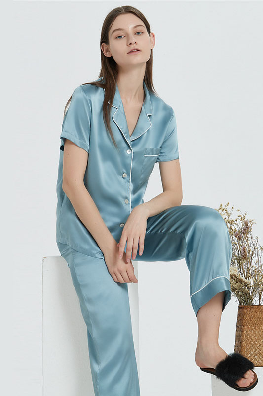 19 Momme women short sleeve satin silk pajamas set blue